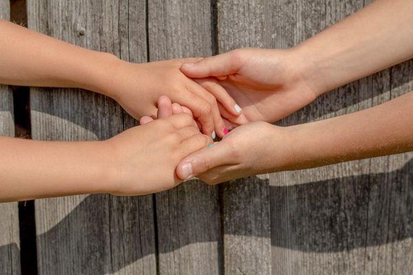 Ser-empaticos-ser-respetuosos-blog-manos