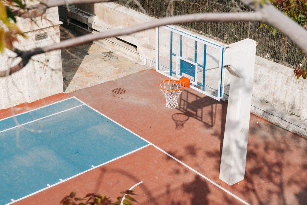 6-Beneficios-de-los-juegos-en-el-patio-blog-patio