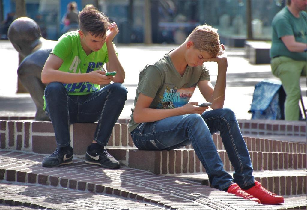 Los-moviles-y-los-niños-blog-adolescentes