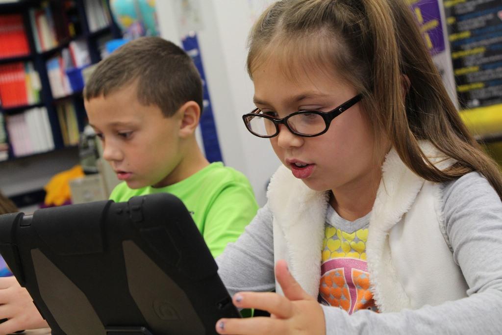 Los-moviles-y-los-niños-blog-escuela