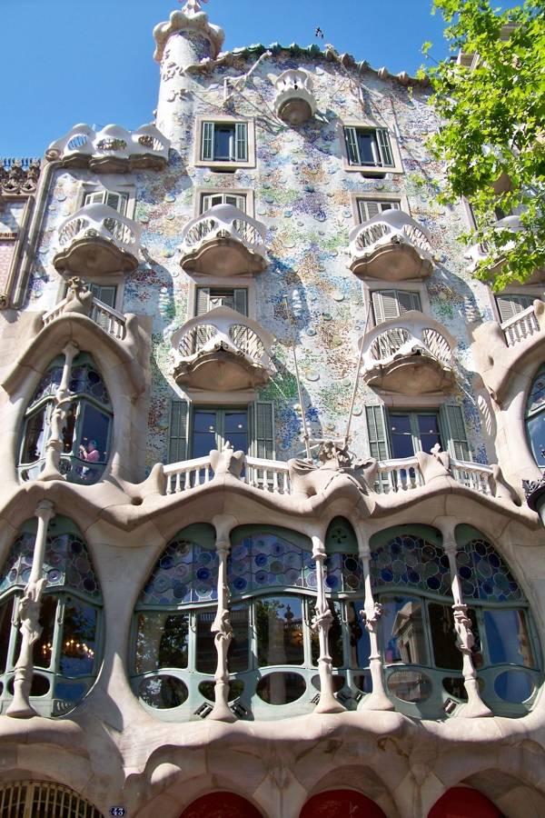 viajes-fin-de-curso-playa-barcelona-edificio