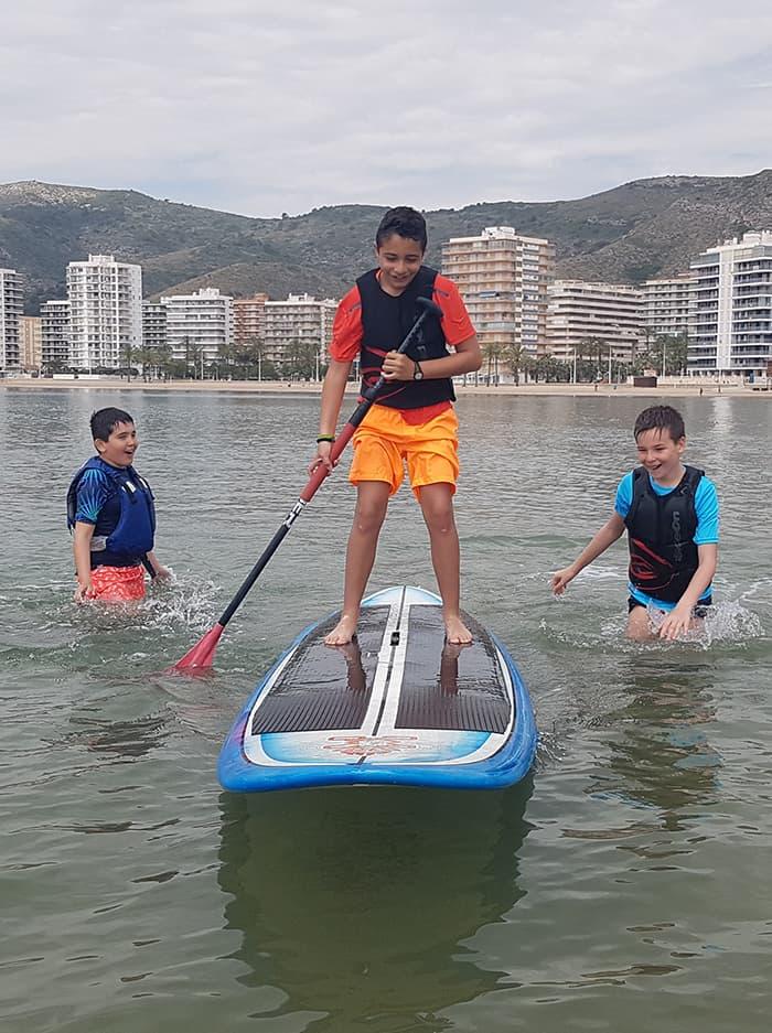 viajes-fin-de-curso-playa-roquetas-de-mar-paddle-surf