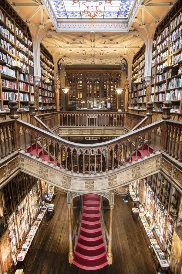 viajes-fin-de-curso-paises-vecinos-oporto-libreria